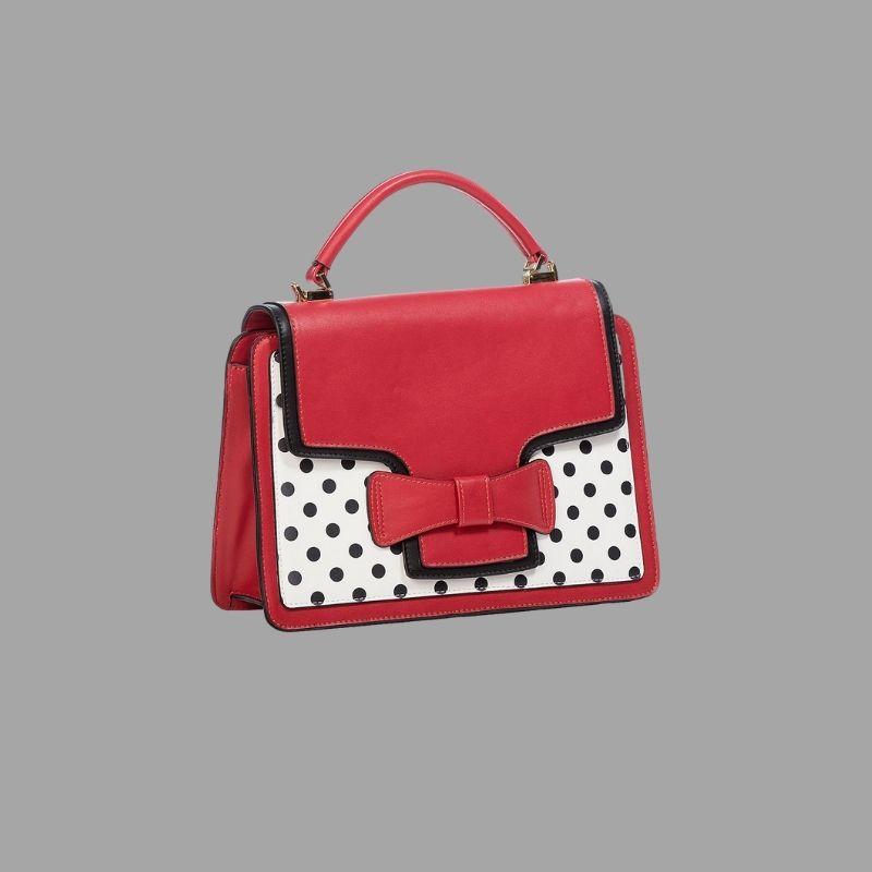 sac à main rouge et blanc, style vintage