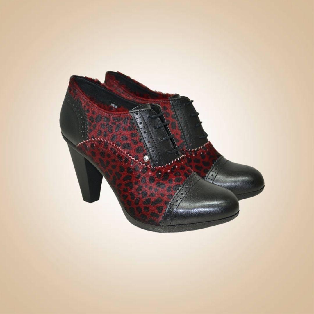 chaussures à talons en cuir noir et leo bordeaux, style vintage