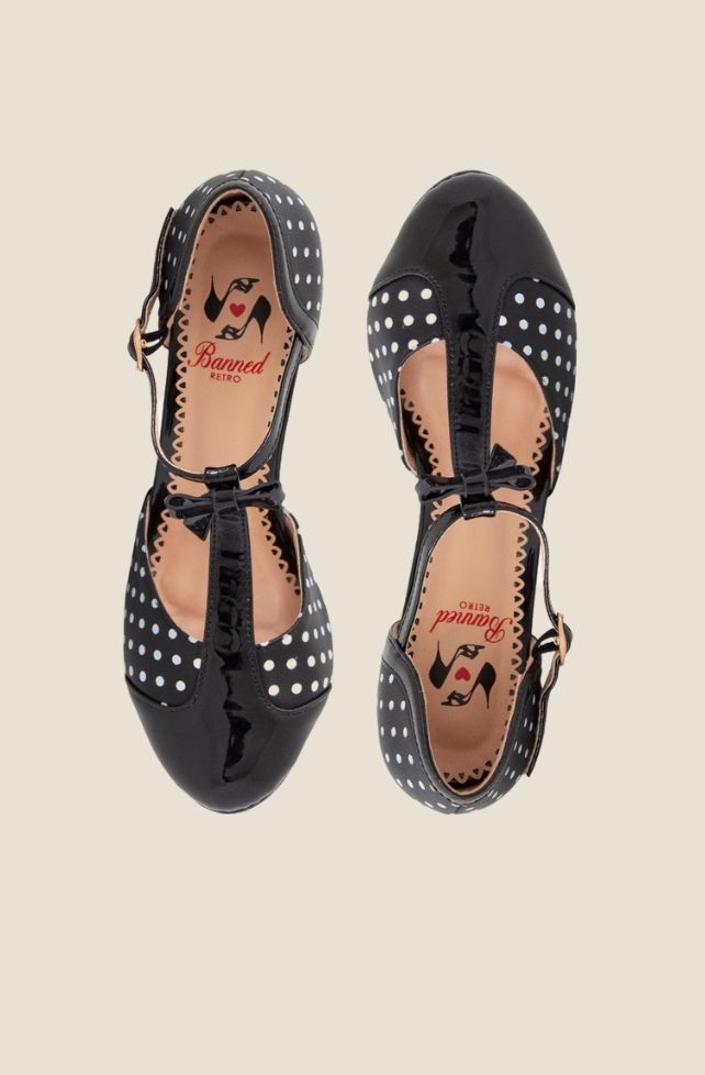Chaussures style vintage noires à pois blancs